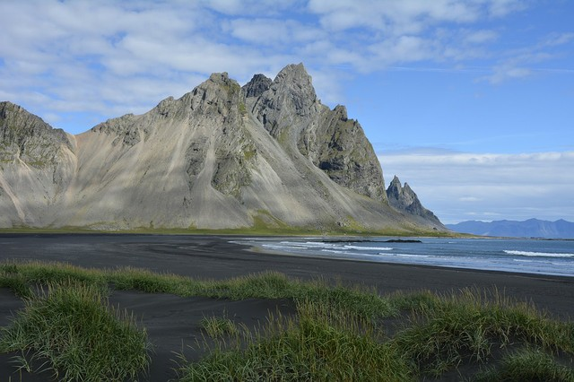 vestrahorn-mountain-1598914_960_720.jpg