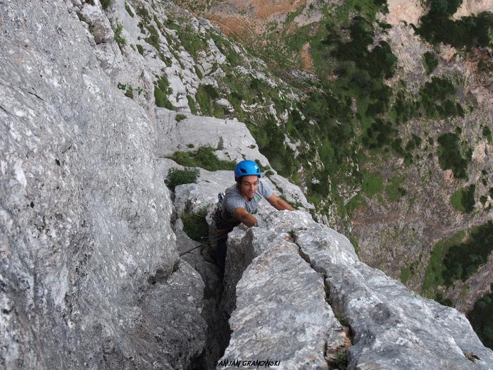 climbing-from-earth-to-heaven-alpawand.jpg.jpg
