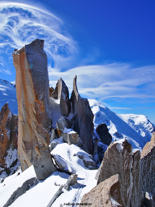 cosmique-ridge-chamonix-mont-blanc.jpg