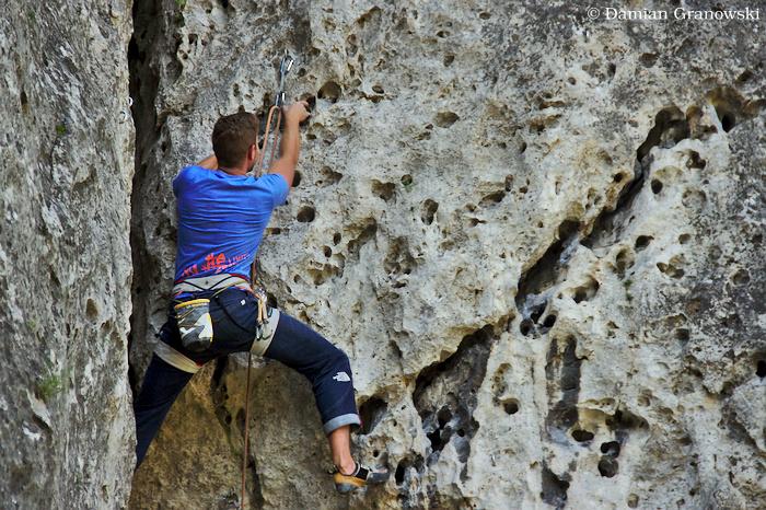 polish-jura-rock-climbing-in-limestone.jpg