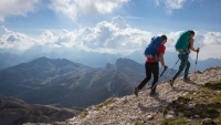 How to choose best hiking, mountaineering shoes? Spring, summer, autumn and winter